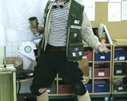 Johnny Huebner greift ein, Klassenzimmerstück ab 8 Jahren von Hartmut El Kurdi