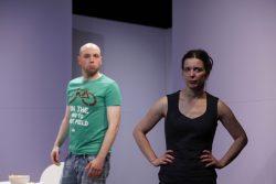 """""""Waisen"""" von Dennis Kelly am Theater Vorpommern"""
